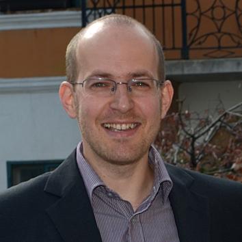 Dr. Oszetzky Dániel
